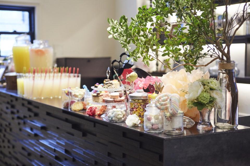 ヴォヤージュ・ドゥ・ルミエール京都七条迎賓館 ゲストを多彩なウェルカムドリンクやフードでおもてなし