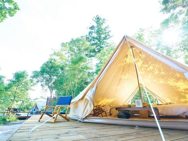 今人気のキャンプウェディング画像2